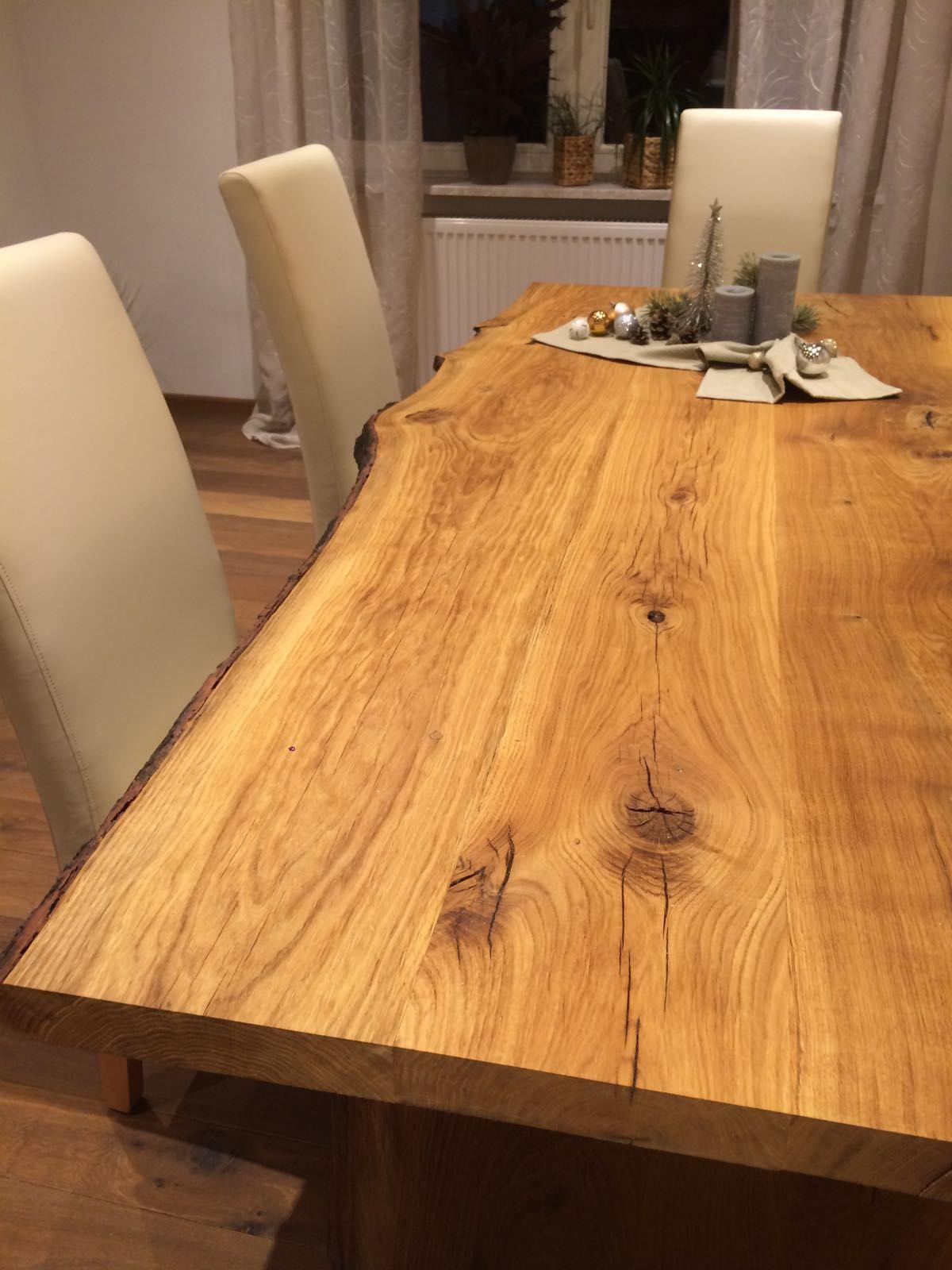 Esstisch aus Eichenholz, mit Baumkante, massiv, geölt