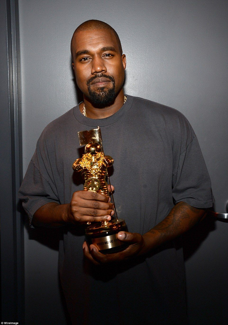 Kanye West Announces He S Running For President In 2020 Kanye West Songs Kanye West Kanye
