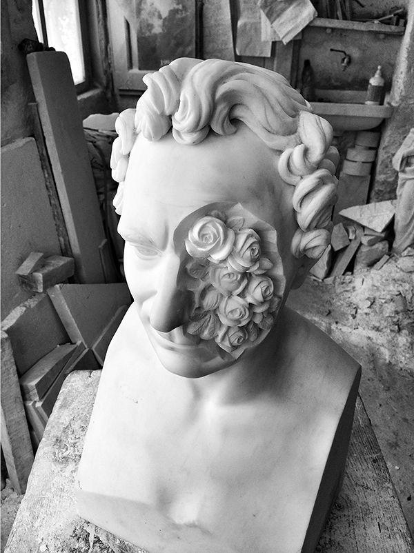 Massimiliano Pelletti Se perdo tutto resto solo 2014 Scultura in marmo statuario Altezza: 70 cm