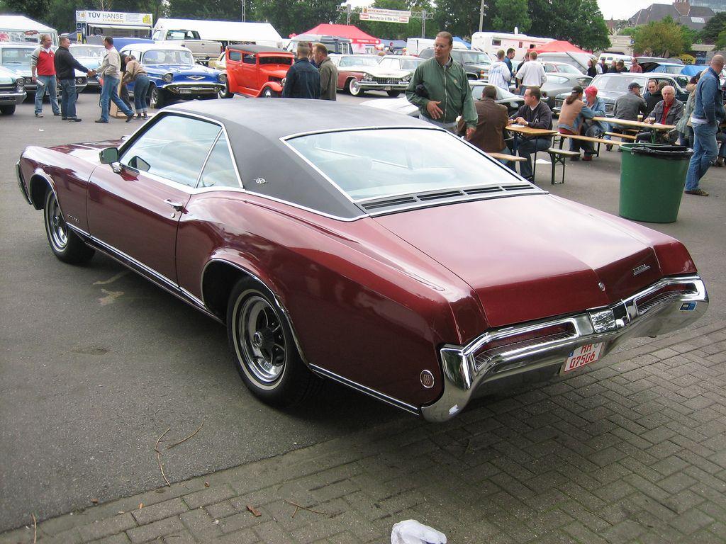 1968 buick electra 225 2 door hardtop front 3 4 81136 - 1968 Buick Riviera Buick Riviera 1968 2