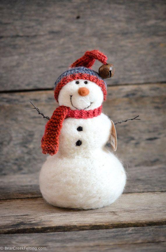 Needle Felted Snowman by Teresa Perleberg of Bear Creek Felting.