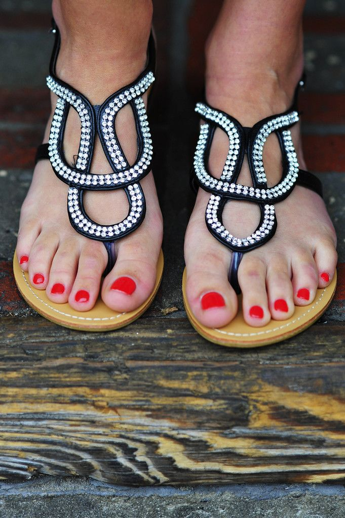 Follow My Lead Sandals: Black/Silver