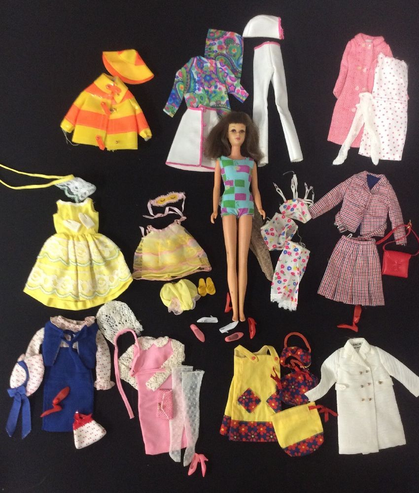 Vintage Mattel Barbies Cousin Francie Fashion Doll Clothes Accessories Barbiecollection Ba Vintage Barbie Clothes Diy Clothes Vintage Vintage Barbie Dolls