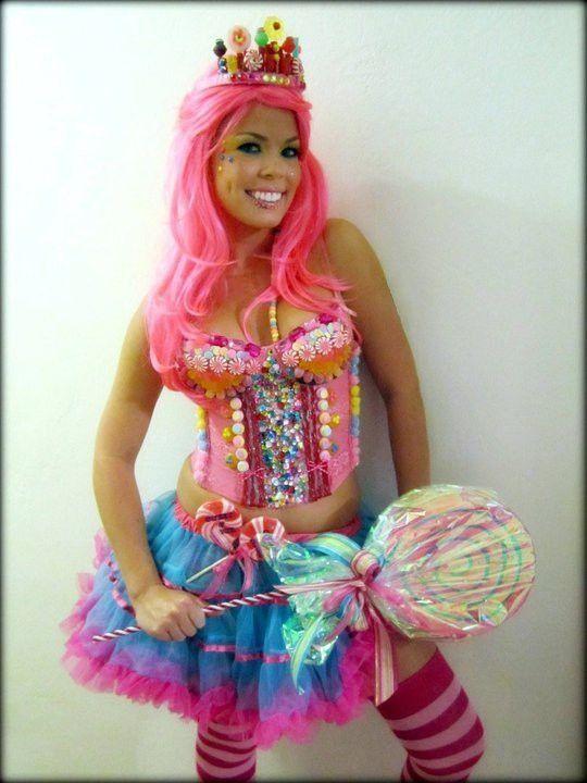 Photo of I et annet liv ville jeg lage kostymer for å leve ELLER i det minste ha dem på seg hele tiden. Jeg elsker denne t … | Candy girls, Süßigkeiten kostüme, Hausgemachte kostüme