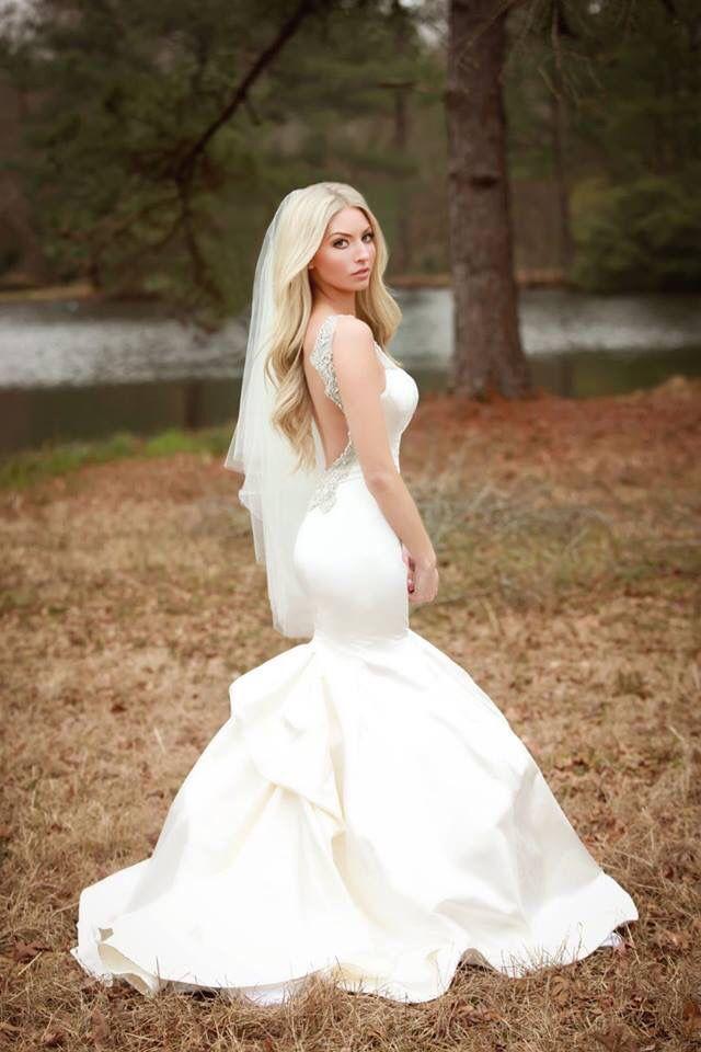 Hayley Paige wedding dress!! Love at first sight #bride  #wedding #bridalportraits
