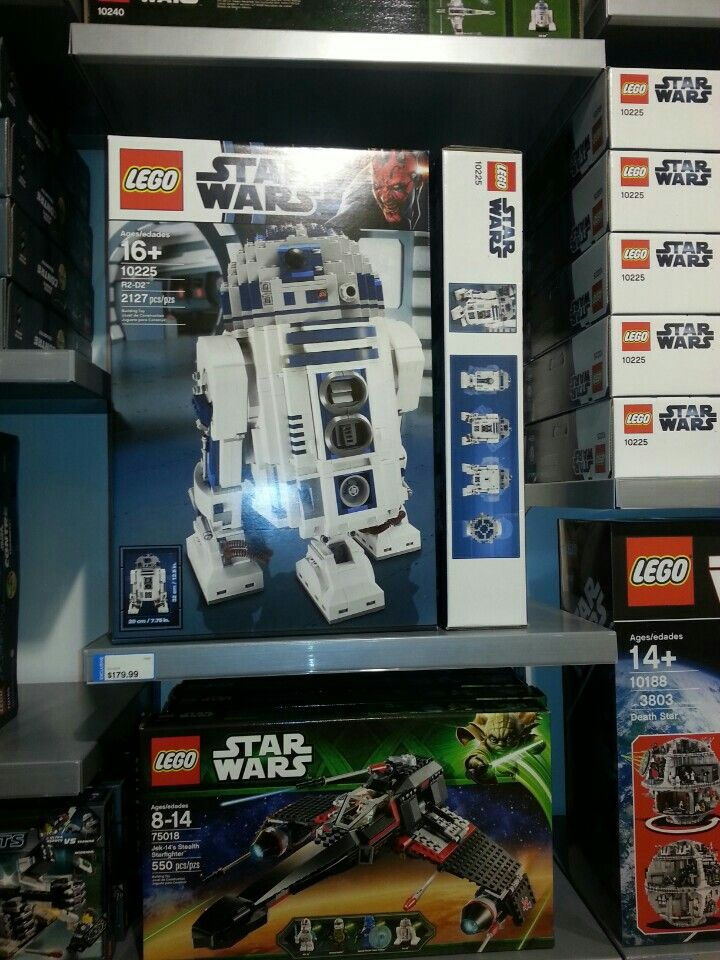 Lego R2D2 Lego store in Concord Mills Mall Lego store