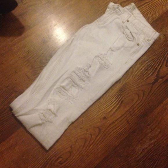 Distressed Hollister Jeans White distressed Hollister jeans. Super cute to dress up or down! Its a must-have this season!     OFFERS ARE WELCOME!  Hollister Jeans