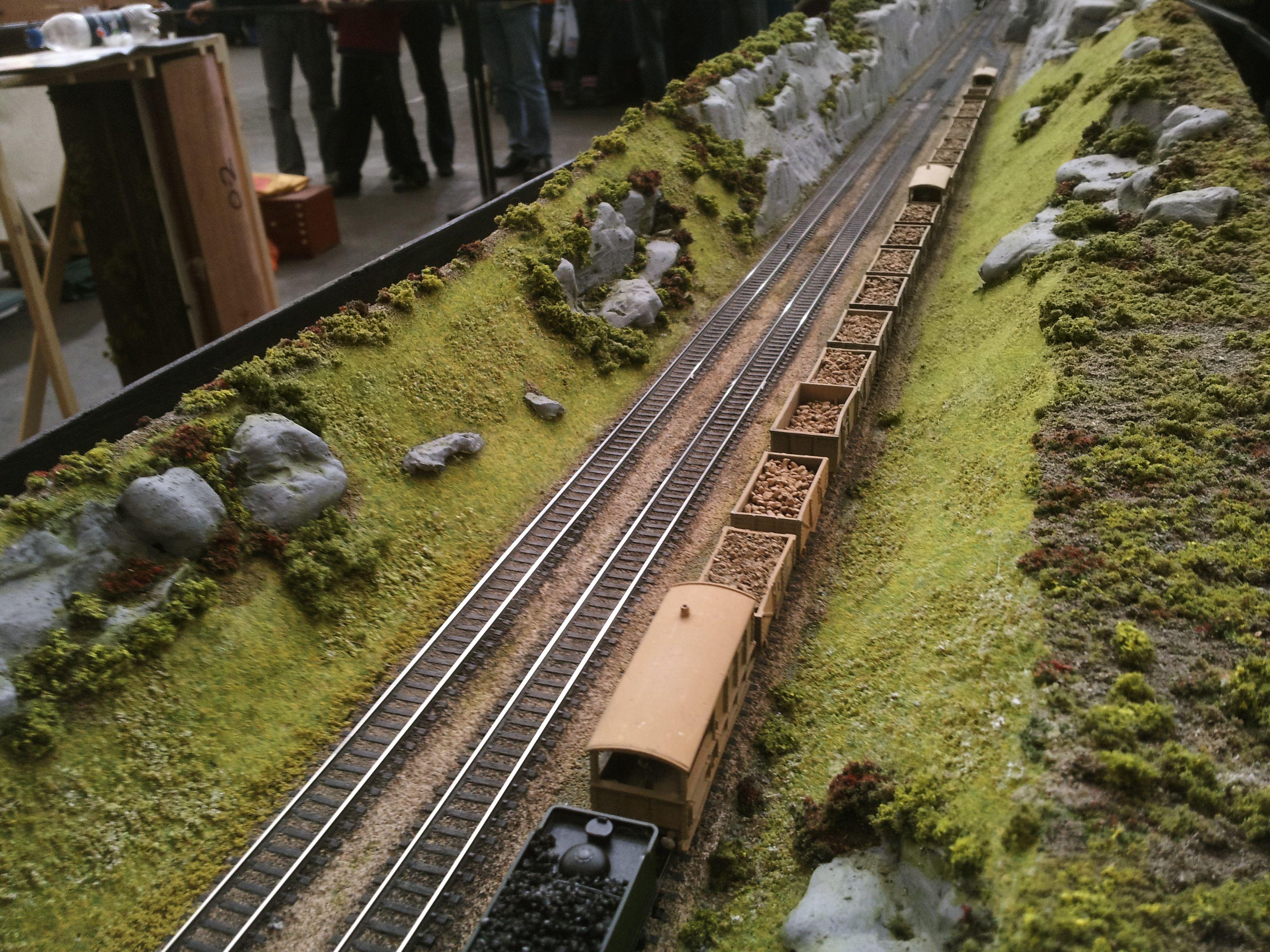 Triple Track In Valley Model Train Scenery Model Train Layouts Model Railway