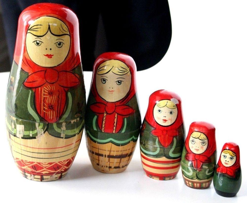 Vintage Babushka Russian Nesting Dolls Wooden 5 in 1 Matryoshka Hand Painted