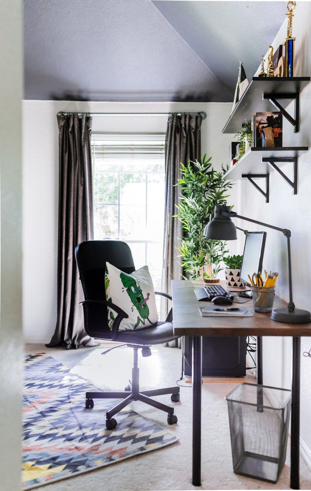 Astounding Schreibtisch Teenager Dekoration Von A Teenage Space For Work & Play