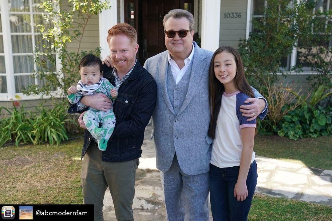 "Aubrey Anderson-Emmons on Instagram: ""With the new baby Rexford on the last day of shooting at the Dunphy house exterior �� Repost from @abcmodernfam using @RepostRegramApp - On…"""