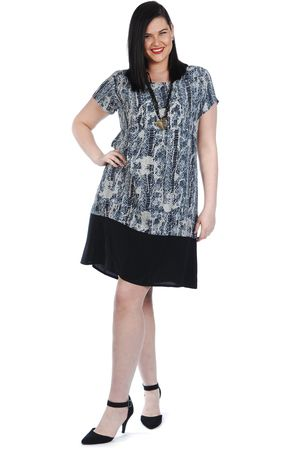 Welcome autumn with Kita Ku's best autumn plus size cloth collection for women. Do your shopping with complete satisfaction as we have a wide collection of attractive autumn cloths.