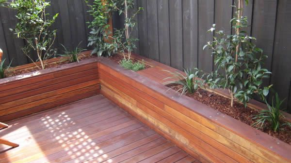 Decking With Planter Boxes But I Want Seats In Front Of It That