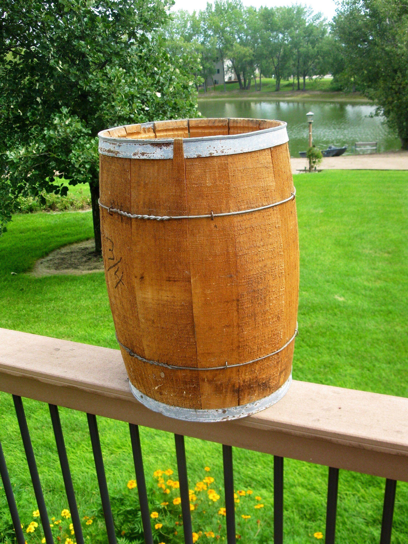 Wood Nail keg - 18\