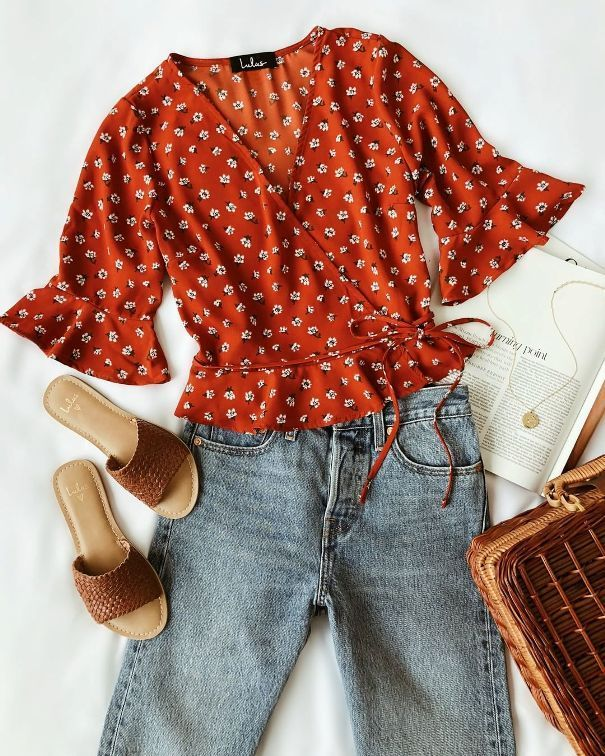 Awesome Awesome Floral Wrap Top Boyfriend Jeans Summer Outfit #summeroutfit #out…