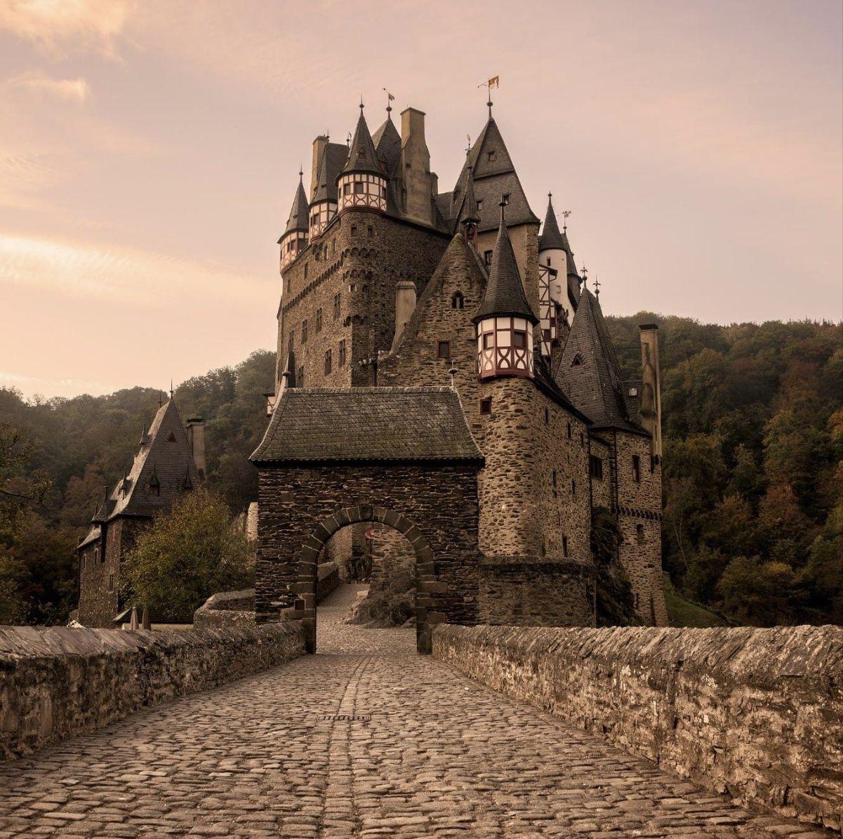 Burg Eltz Castle In 2020 Burg