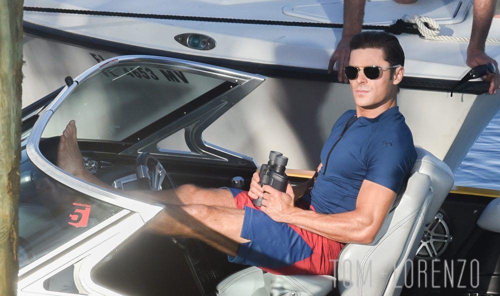Les lunettes aviator de Matt Brody (Zac Efron) dans Baywatch