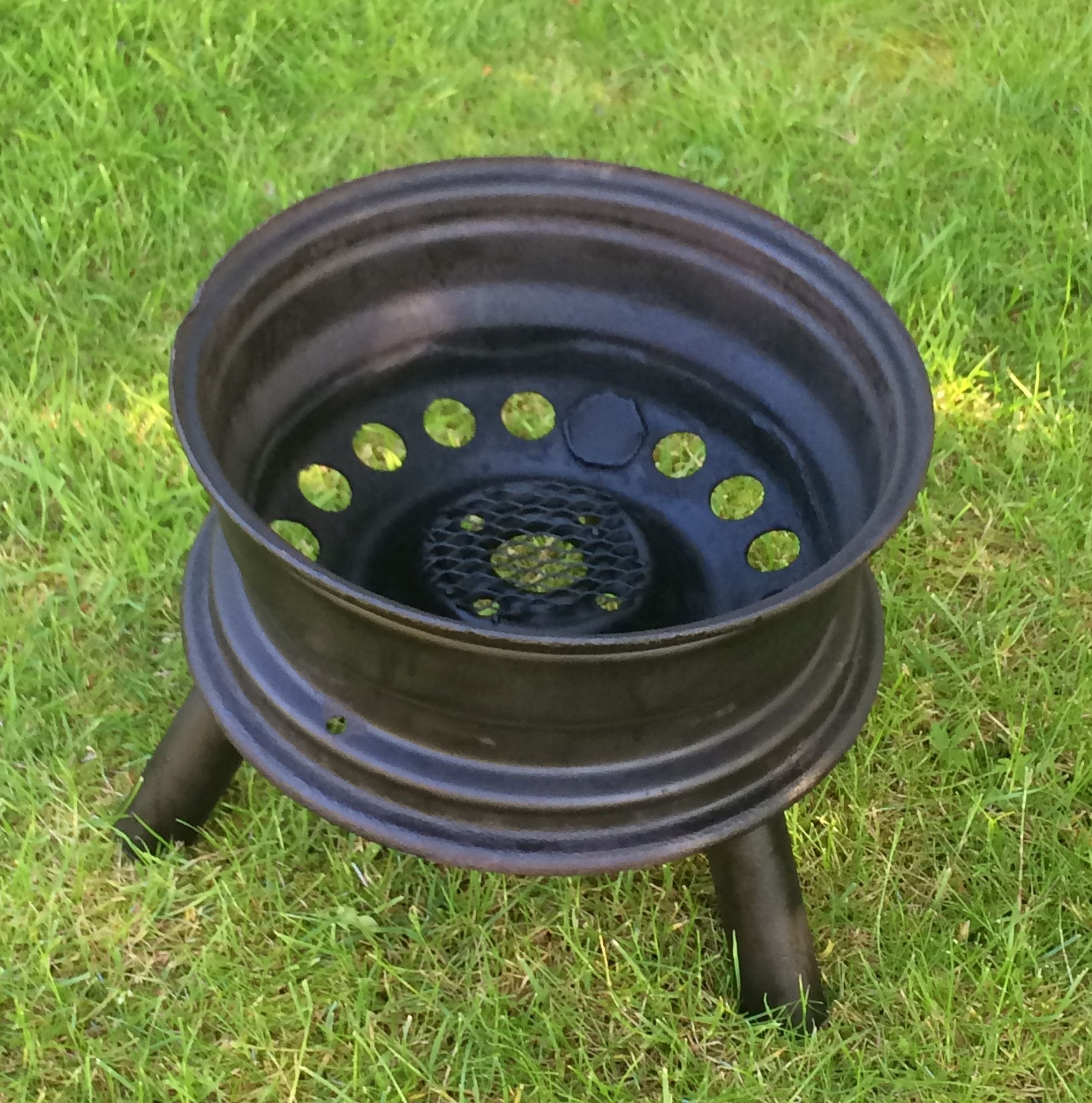 Garden Patio Fire pit wood Log Burner made from a car Wheel in 2019 | Rim fire pit, Wheel fire ...