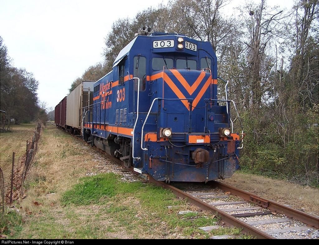 "RailPictures.Net Photo: LDRR 303 Louisiana & Delta Railroad CF-7 at Lafayette, Louisiana by Brian ""Porkchop"" LaFleur"