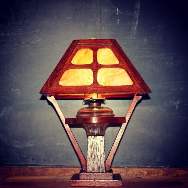Arts crafts style slag glass lamp hindsstudio antique vintage oak handmade mission artsandcrafts style slagglass stainedglass beautiful