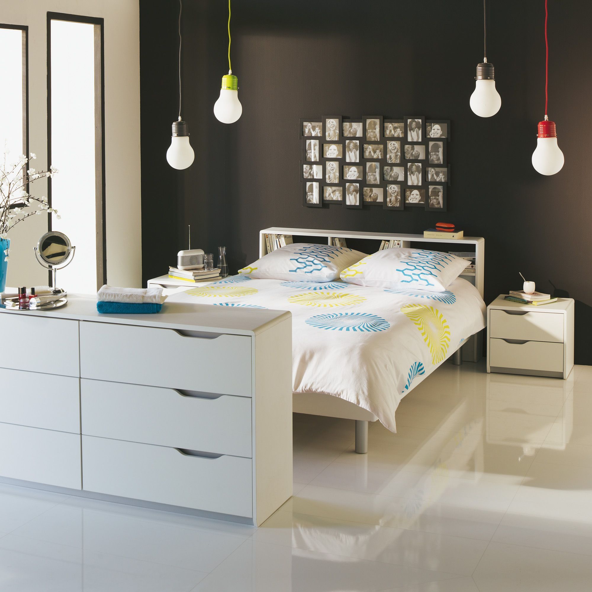 Chambre style moderne blanche Blanc - Cool - Les commodes ...