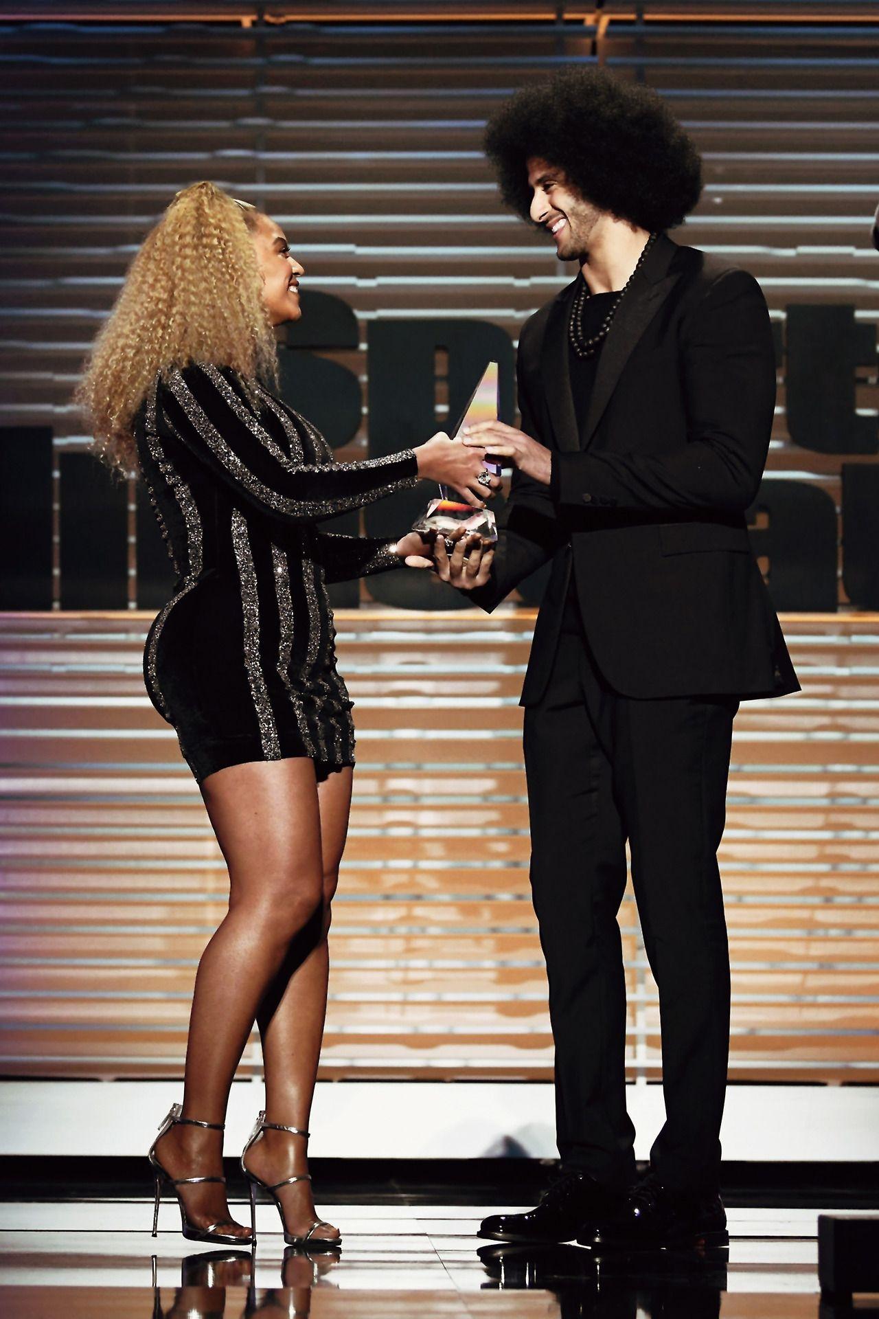 454d80ec699d Beyoncé presents Sports Illustrated s Muhammad Ali Legacy Award to Colin  Kaepernick (Dec. 5)