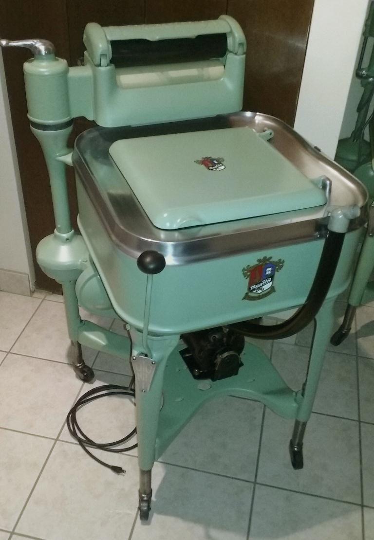 My Latest Restoration Project A 1940 Maytag Model 32 Vintage Appliances Wringer Washer Wringer