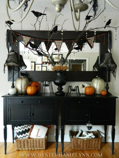Halloween Dining Room Buffet - Console Decor {my faux 'mantle' decorations #spookybasketideas