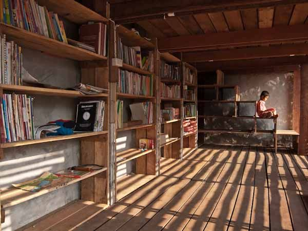 Norwegian Students Build Airy Bamboo and Teak Library for Thai Orphans
