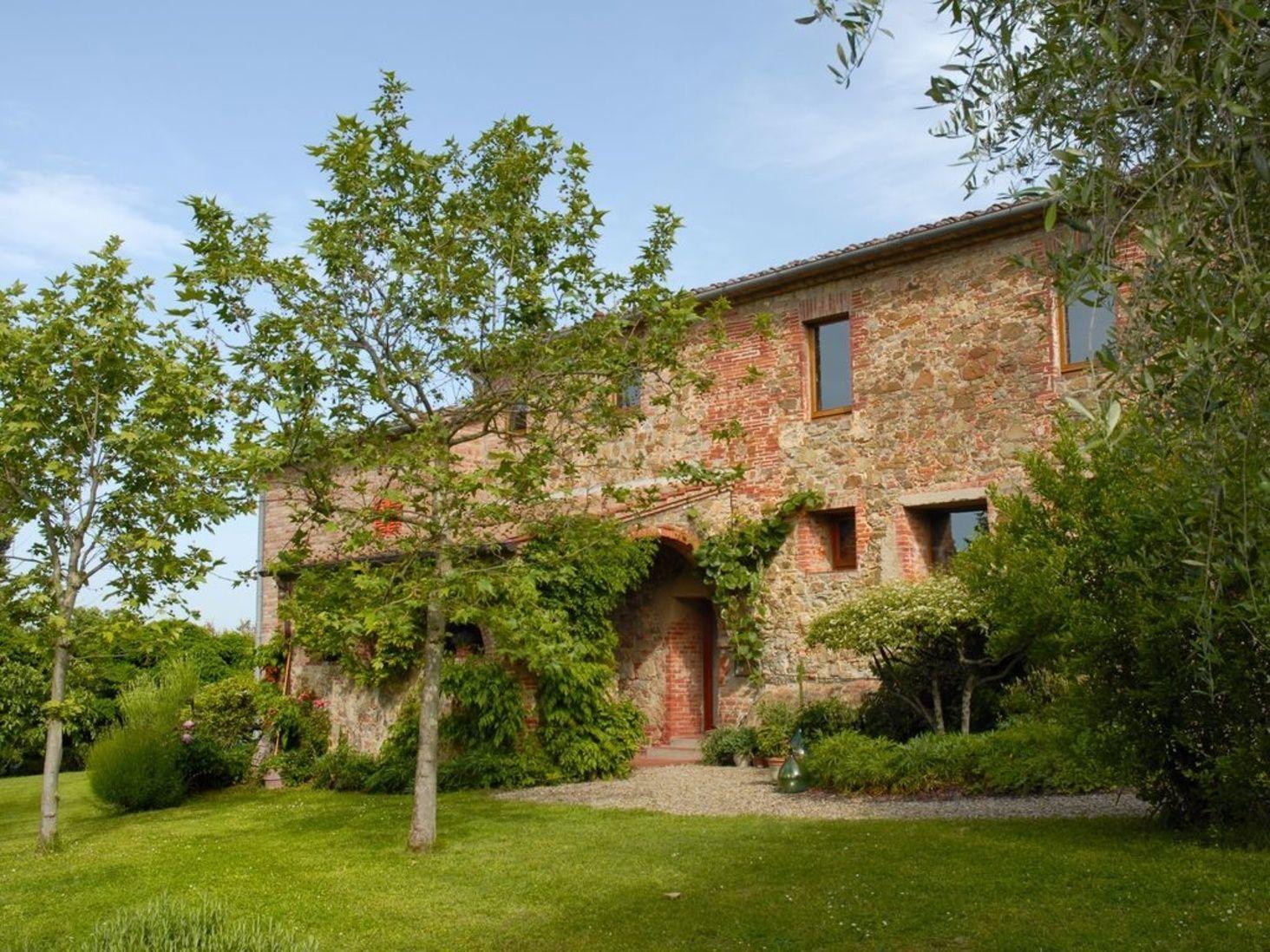 Italien Toskana Immobilie Sinalunga 9 Hektare Mit Wald Olivenbaume Landhaus Mit B B Pool Alleinlage Kaufpreis Reduziert House Styles Property House