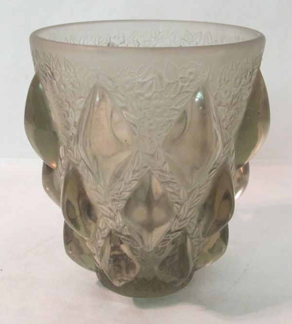 "UNUSUAL c.1920 R LALIQUE SIGNED SMOKEY CHARCOAL GLASS VASE ""RAMPILLION"" PATTERN  eBay"