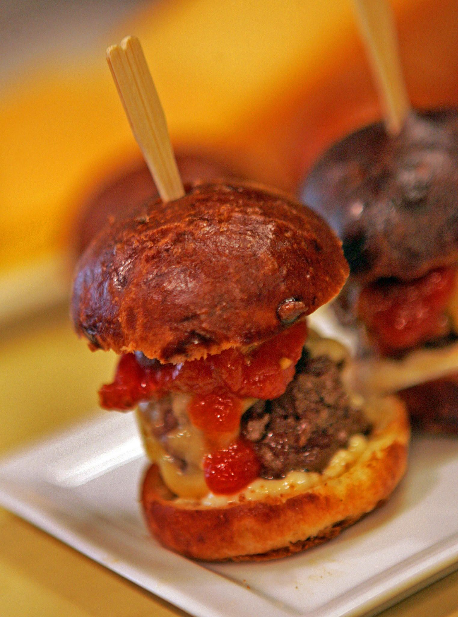 Stonehill Tavern Kobe Burger Recipe Food Burger Weird Food