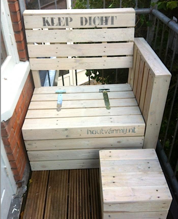 balkon bankje met opbergkist en klep samen met bijzettafeltje van 35 cm kubus op maat gemaakt. Black Bedroom Furniture Sets. Home Design Ideas