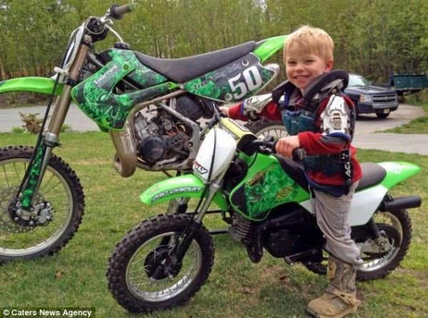 Chase Anderson Aged 3 Goes Straight From Cradle To Being Youngest 50cc Motocross Rider Motocross Riders Motocross Motocross Racer