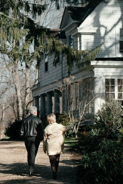 17 Things You Didn T Know About Hillary Clinton S Home In Chaqua New York