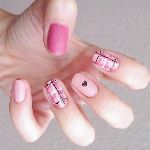 手描きチェックネイル 久々のマットコート💅 nail nails