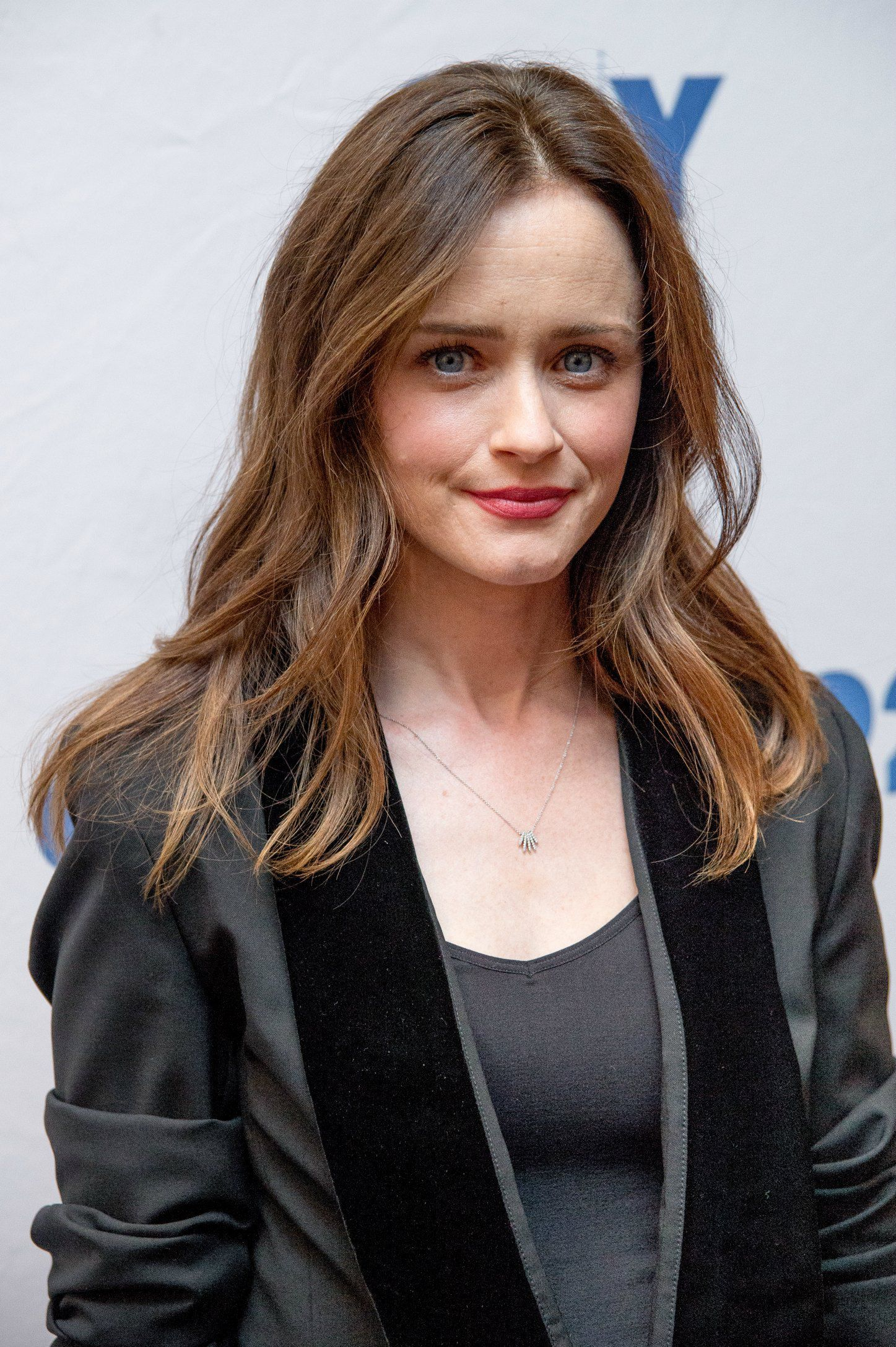 The 30 Best Styles For Women With Thick Hair Alexis Bledel Rory Gilmore Hair Thick Hair Styles