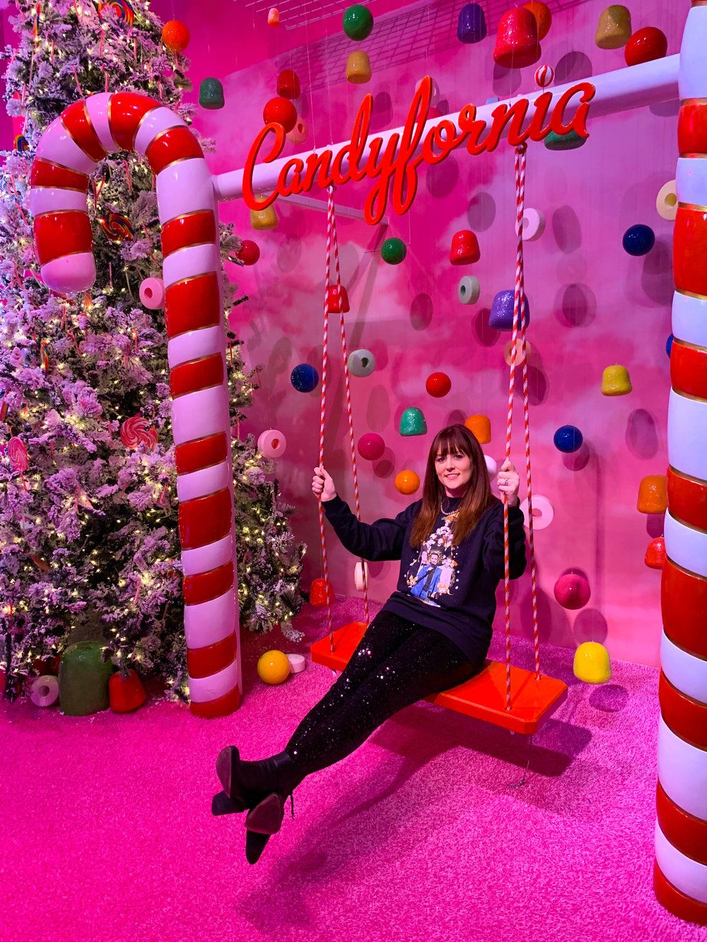 5 Reasons to Visit Fa La Land Christmas Pop-up in Los Angeles, CA — The Sweetest Escapes