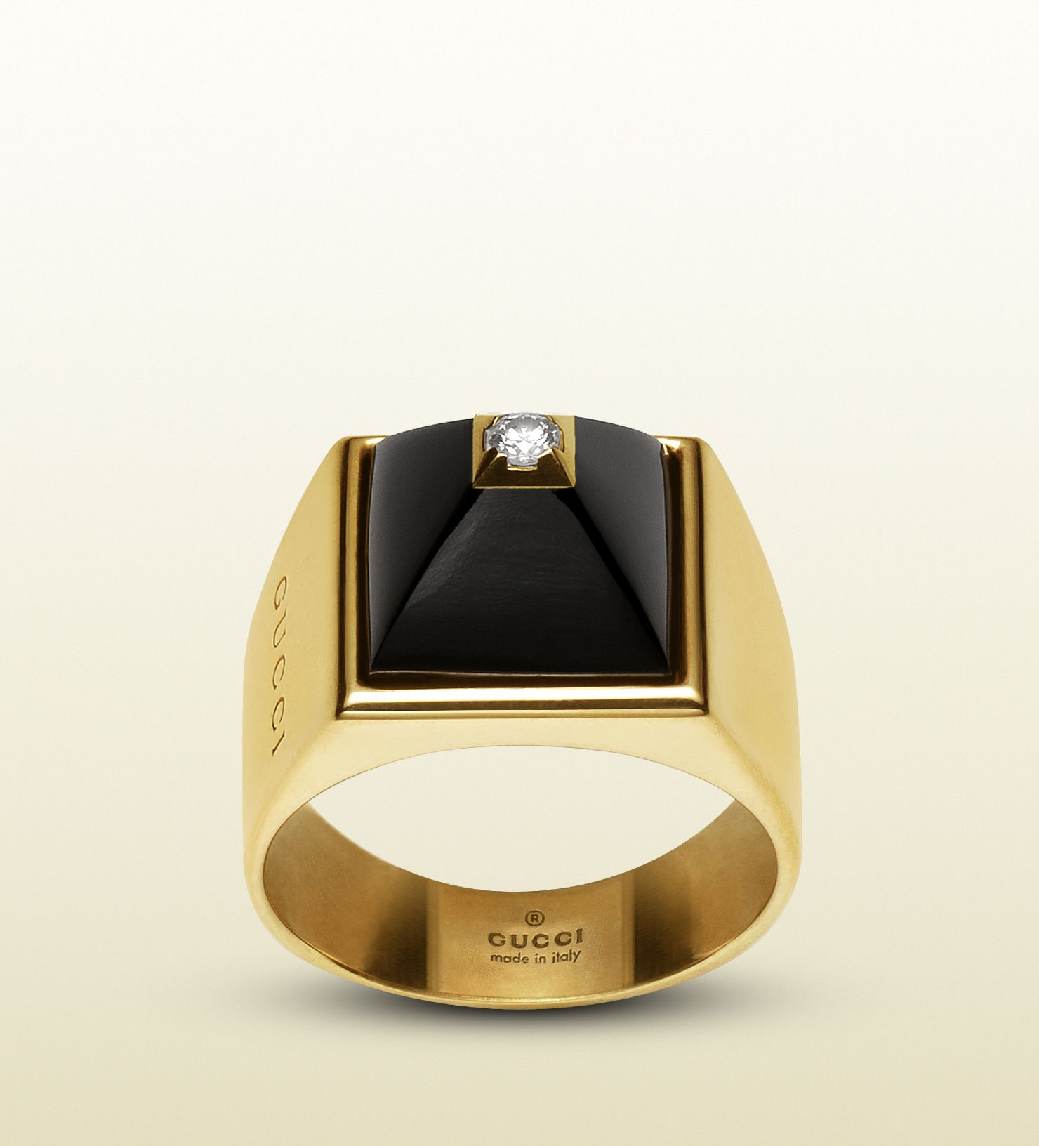 Superb gucci ring in k in yellow gold diamonds and black chalcedony