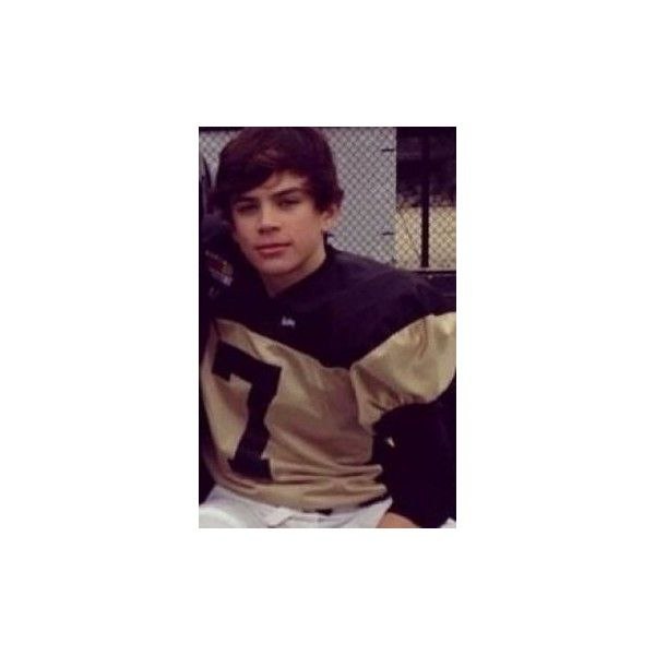 Hayes Grier ❤ liked on Polyvore featuring magcon and hayes grier