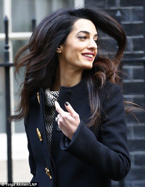 George Clooney S Human Rights Lawyer Wife Meets With Pm At Number 10 Amal Clooney Famous Fashion Human Rights Lawyer