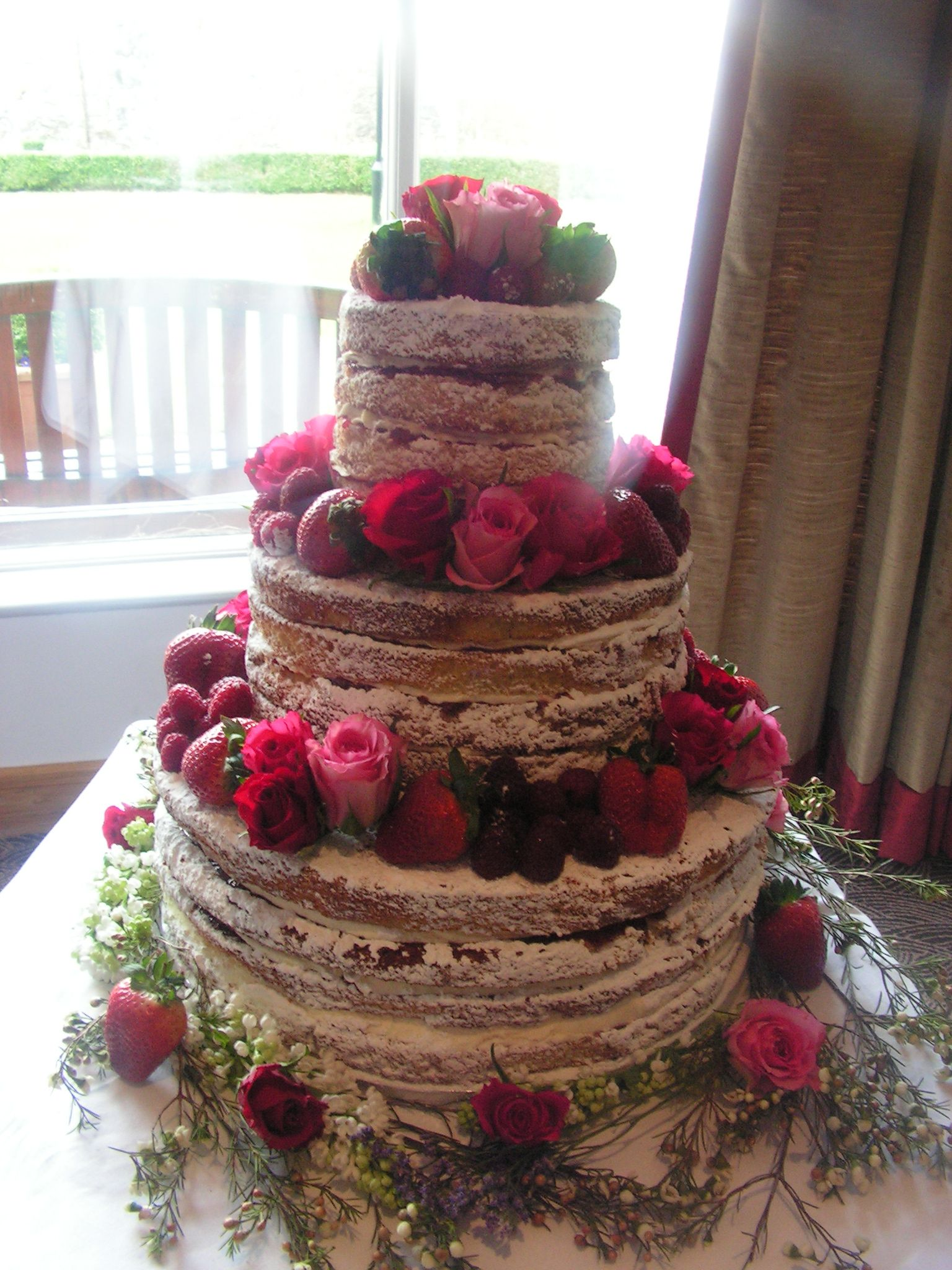 3 tier vanilla sponge wedding cake recipe 3 tier 4 layer sponge cake with vanilla bean 10272