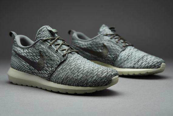 Mens Shoes - Nike Sportswear Flyknit Roshe Run - Wolf Grey - Sequoia -  River Rock