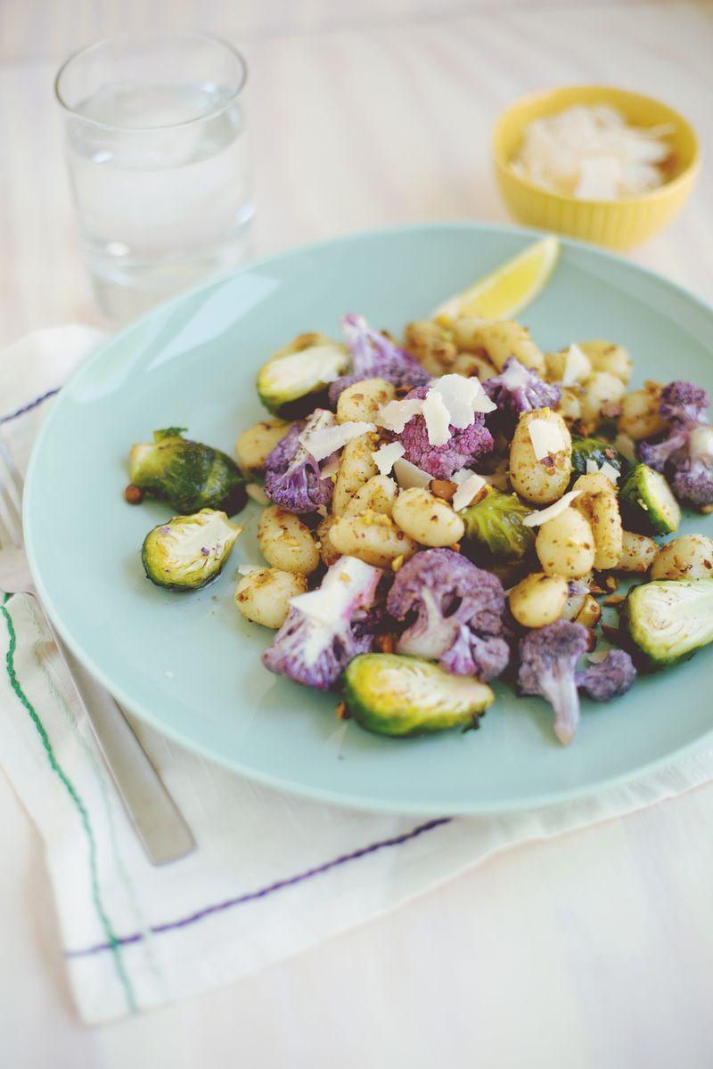 Honey-Roasted Veggies + Gnocchi - Mit selbst gemachten Gnocchis dauert es schon lange, lohnt sich aber definitiv! Köstlich!