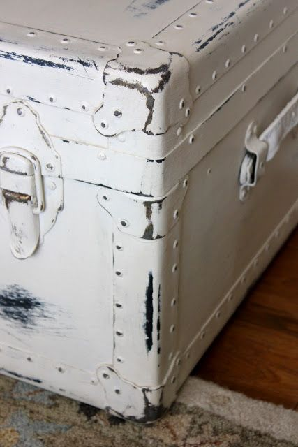 super tutorial on painting and aging a chest