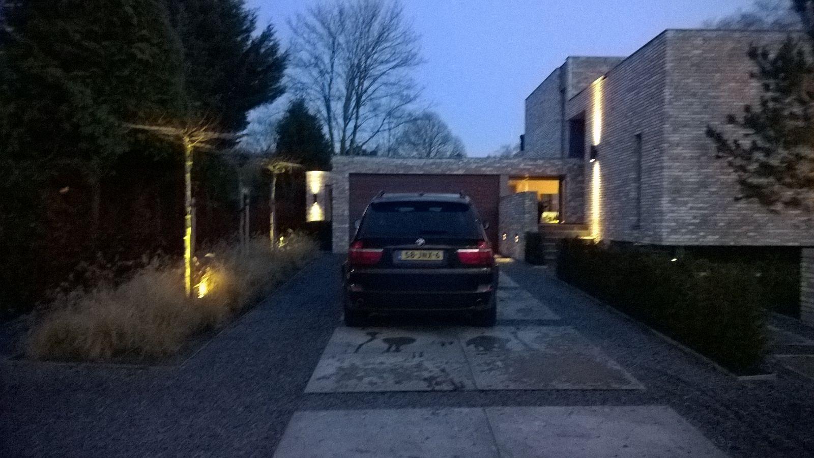 Huis in Nuenen. Mooie oprit. En mooi huis :) Dubbele stenen voor de ...