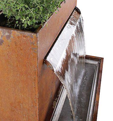 Halton Bepflanzbarer Wasserfall Brunnen Cortenstahl Led