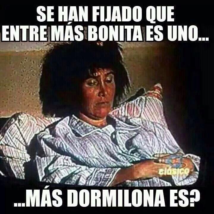 Que Rico Es Levantarse Tarde Jijiji Mexican Funny Memes Funny Spanish Memes Humor