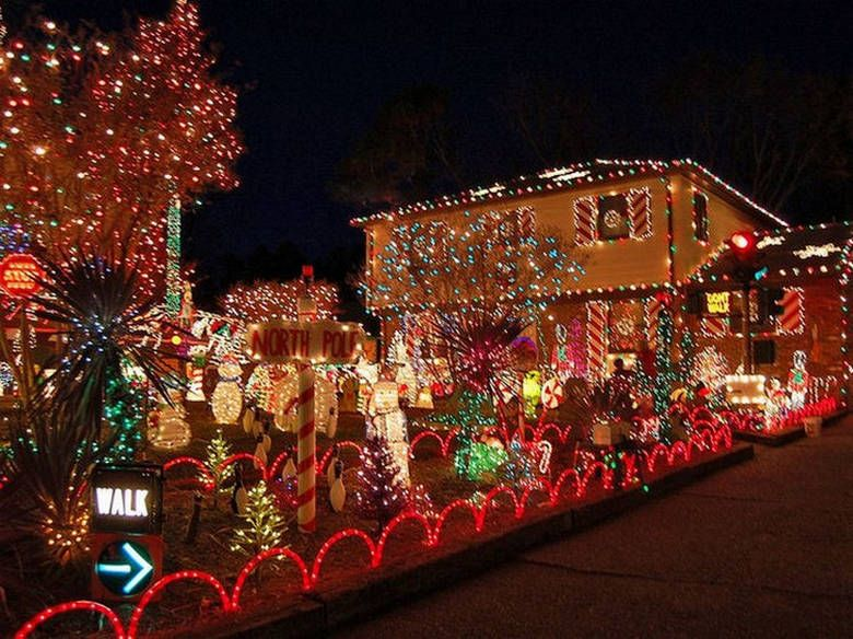 These people are channeling their inner clark griswold 22 photos christmas house