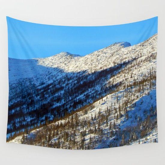 Mont Albert Peaks Wall Tapestry